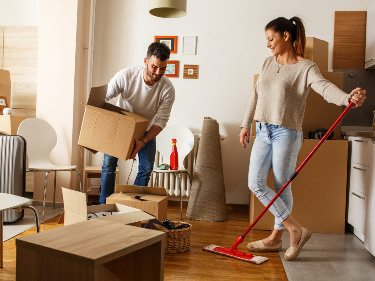 Moving In and Moving Out Cleaning Service